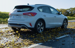 Ford Focus Active, 2019, rear