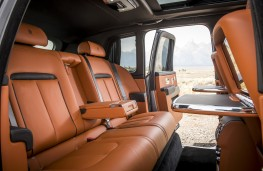 Rolls-Royce Cullinan, rear seats