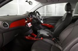 Land Rover Defender 90 Adventure, interior