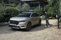 DS 7 Crossback E-Tense, 2021, charging