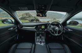 Alfa Romeo Giulia, controls