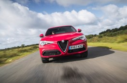 Alfa Romeo Stelvio, full front action