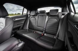 Alfa Romeo Stelvio, rear seats