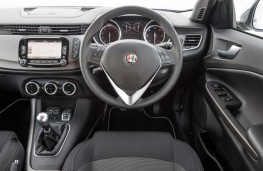 Alfa Romeo Giulietta Business Edition, interior