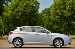 Alfa Romeo Giulietta Business Edition, side