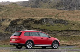 Volkswagen Golf Alltrack, rear