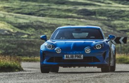 Alpine A110, front action 2