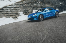 Alpine A110, 2017, side, action
