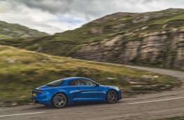Alpine A110 Premiere Edition, 2018, side, action