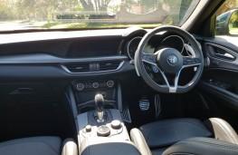 Alfa Romeo Stelvio 2.2 Q4 Milano Edizione, cabin
