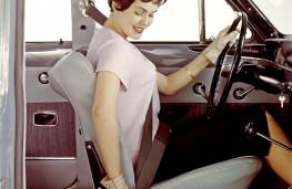 Volvo Amazon, lady driver