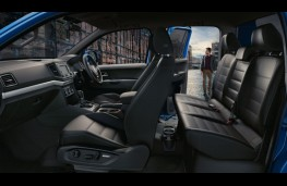 Volkswagen Amarok Aventura, 2018, interior
