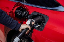Toyota Mirai, 2021, refuelling