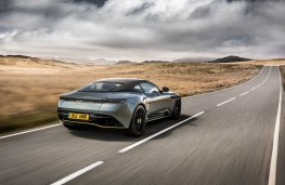 Aston Martin DB11 AMR, rear