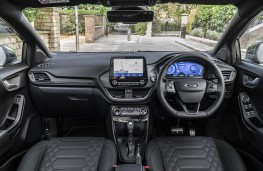 Ford Puma ST-Line X Vignale, 2021, interior