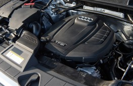 Audi Q5 2.0 TFSI quattro, 2017, engine