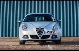 Alfa Romeo Giulietta, front