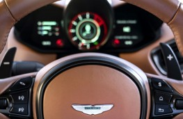 Aston Martin Vantage steering wheel controls