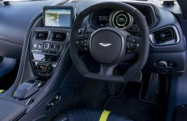 Aston Martin DB11 AMR, dashboard