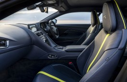 Aston Martin DB11 AMR, front seats