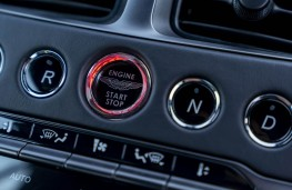 Aston Martin DB11 AMR, starter button