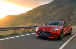 Aston Martin Rapide S action