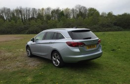 Vauxhall Astra Sports Tourer, rear