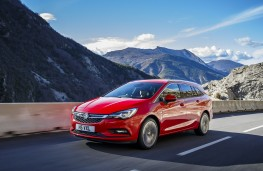 Vauxhall Astra Sports Tourer, 2016, front