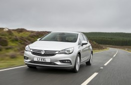 Vauxhall Astra, front, action