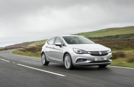 Vauxhall Astra, side, action