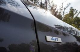 Hyundai Tucson hybrid, 2018, 48 volt badge