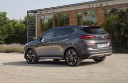 Hyundai Tucson hybrid, 2018, side, static