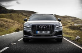 Audi SQ2, full front action
