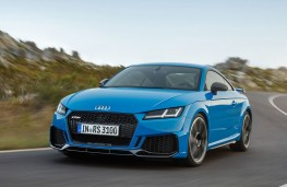 Audi TT RS Coupe front action