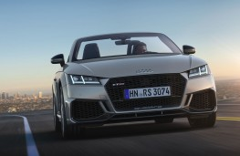 Audi TT RS Roadster head on action