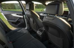 Audi A4, rear seats