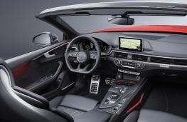Audi A5 Cabriolet cockpit