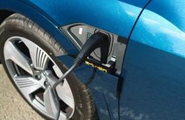 Audi e-tron 55 quattro, charging