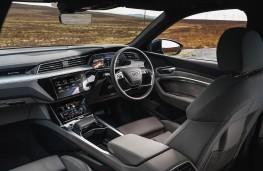 Audi e-tron 55 quattro, dashboard