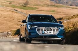 Audi e-tron 55 quattro, front action 3