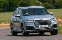 Audi Q7, front action