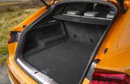 Audi Q8, boot 1