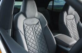 Audi Q8, front seats 2