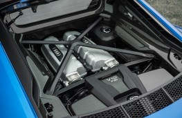 Audi R8, blue engine