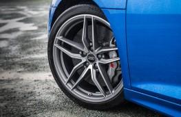 Audi R8, blue wheel