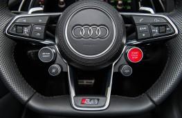 Audi R8, steering wheel