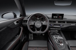Audi RS 5 Coupe cockpit