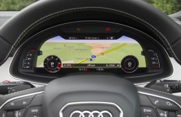 Audi SQ7, dash detail