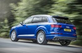 Audi SQ7, rear