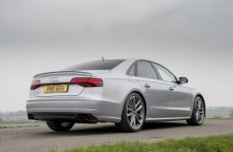 Audi S8 plus, rear